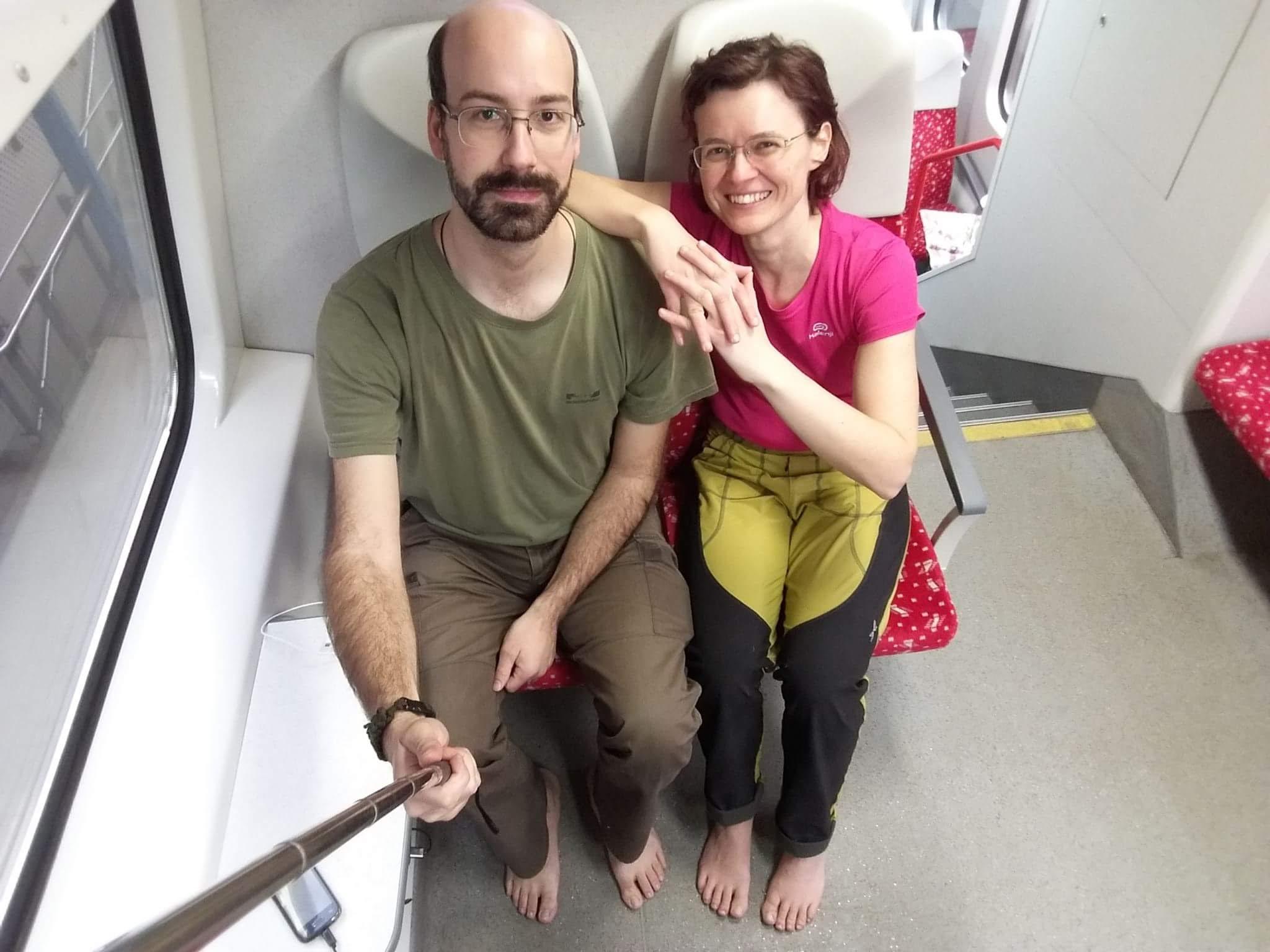 Cestovanie vo vlaku naboso s kamarátom z Maďarska