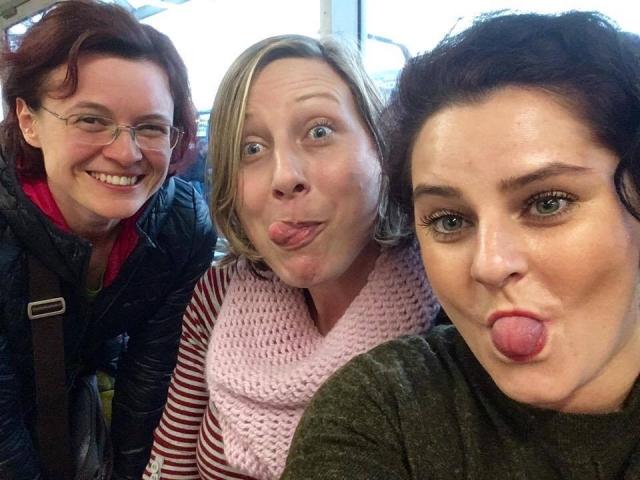 Šťastne pristaté na írsku pôdu v letiskovom bare