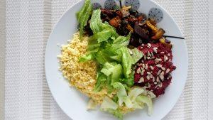 šošovicovo-cviklová nátierka ako súčasť hlavného jedla
